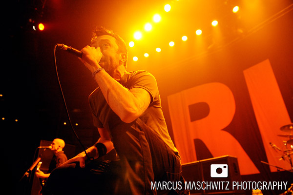rise-against-roundhouse-04