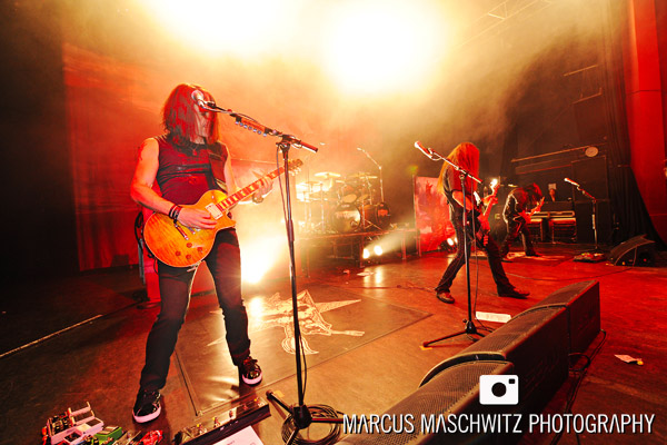 testament-shepherdsbush-08