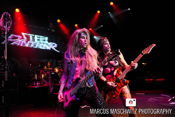 steel-panther-shepherdsbush-06