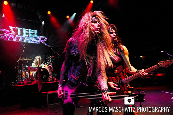 steel-panther-shepherdsbush-08
