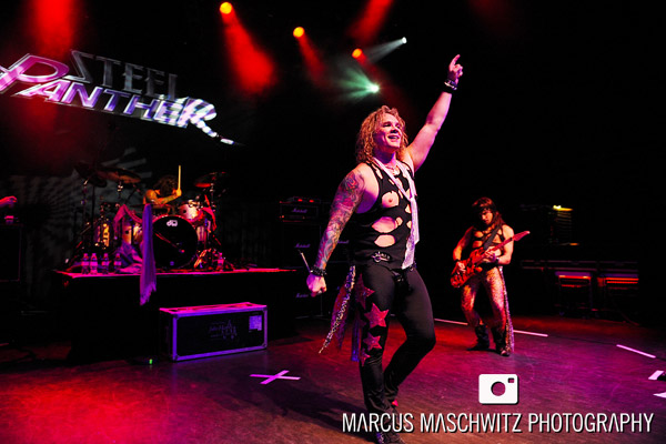 steel-panther-shepherdsbush-24